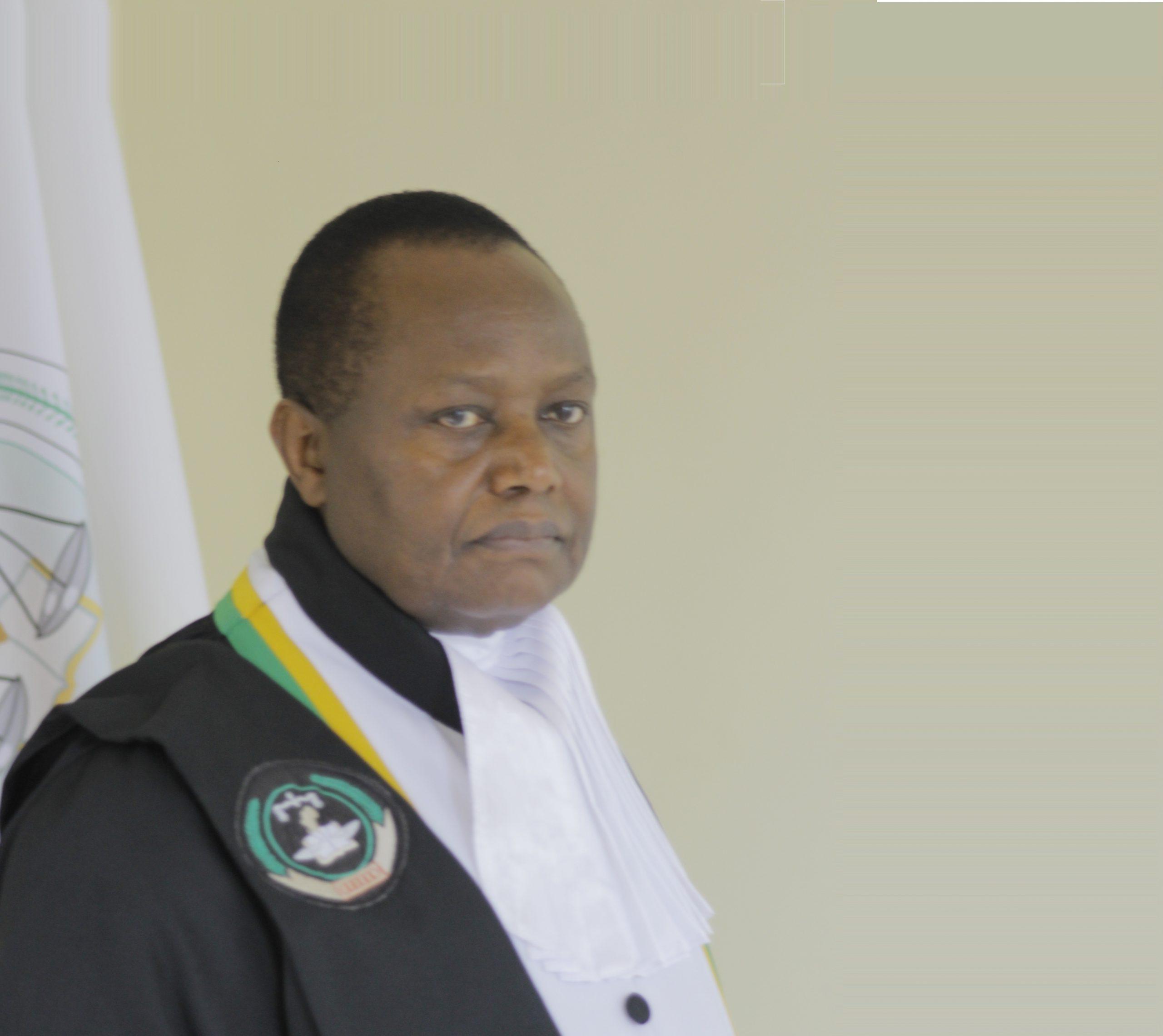 Ven. Juiz Ben Kioko - Quénia