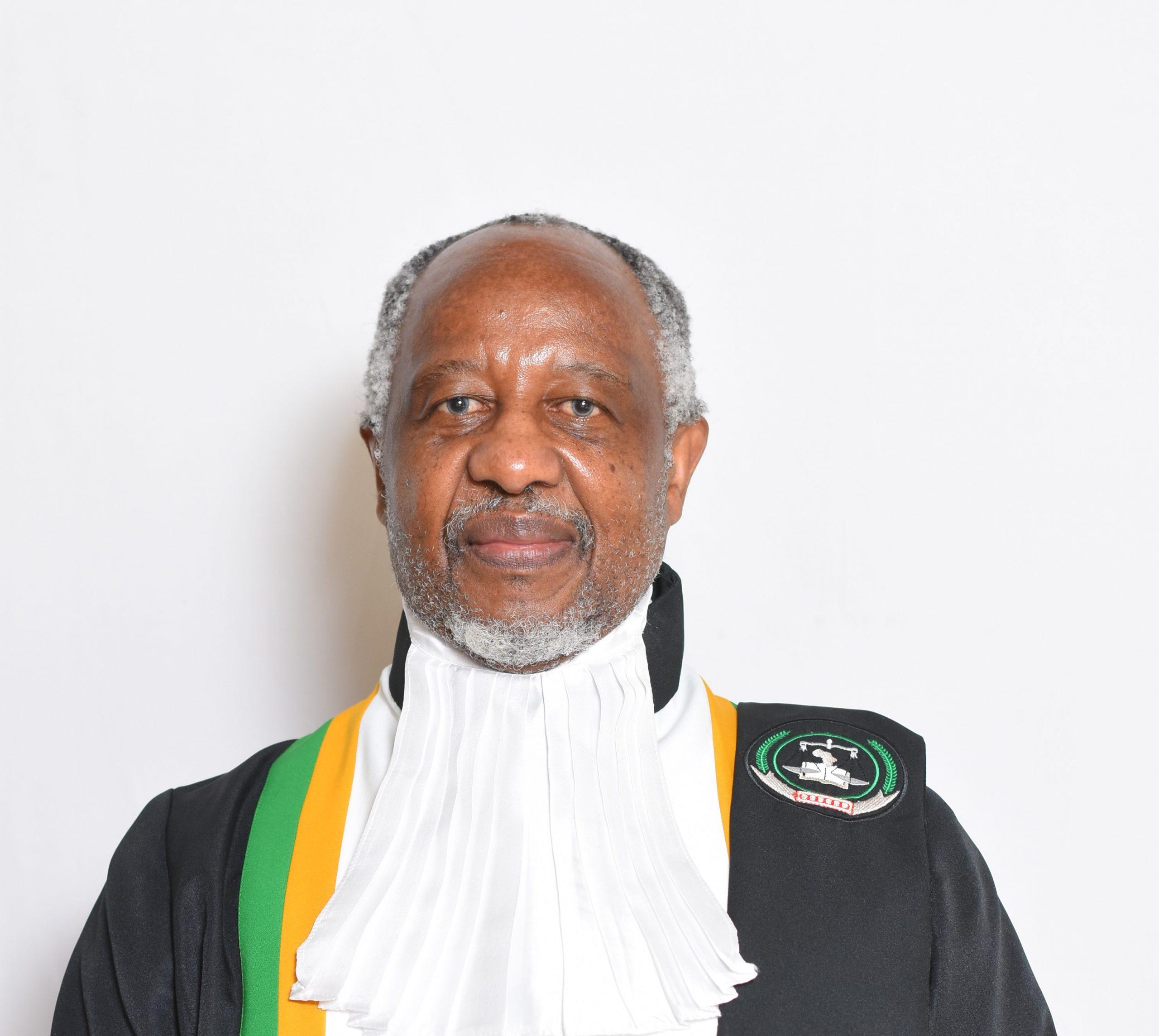 القاضي دوميزا نتسبيزا - جنوب إفريقيا